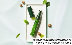 Thanh Lăn Dưỡng Mắt & Da Mặt Innisfree Green Tea Seed Eye & Face Ball