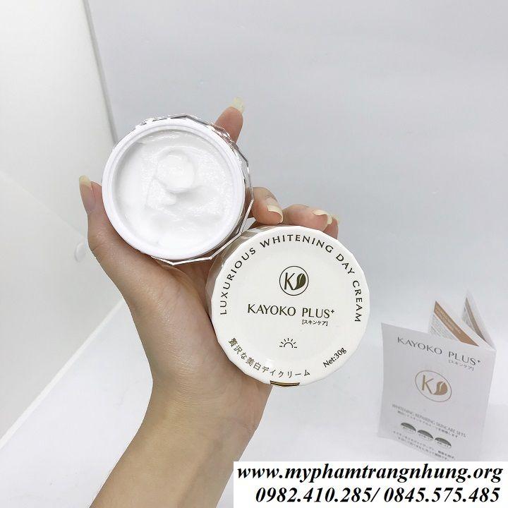 kem-ngay-kayoko-plus+- nhat-ban-tri-nam-duong-trang-da